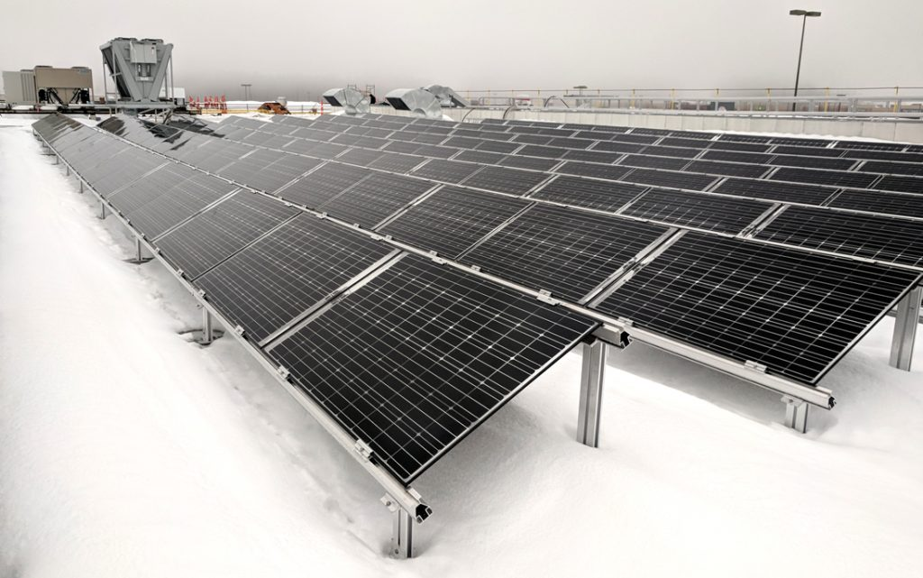 Commissioning of a more than 1MW solar power system in Québec City (Simons)