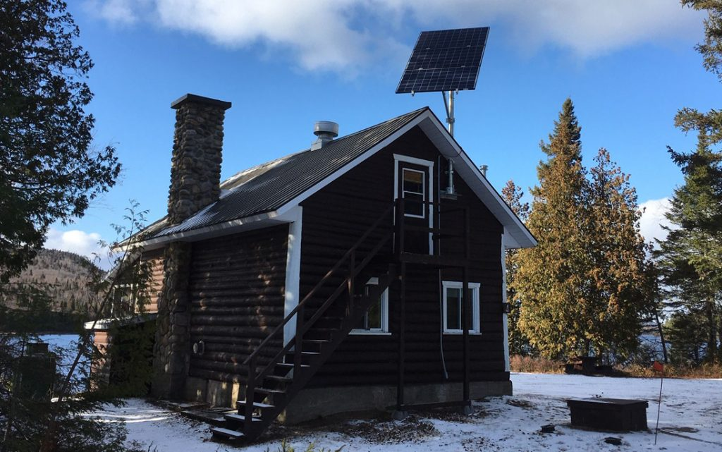 SEPAQ: contract to provide solar panels, batteries and electrical components to equip 300 lodges all over Québec